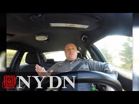 Delaware cop sings Taylor Swift while on patrol