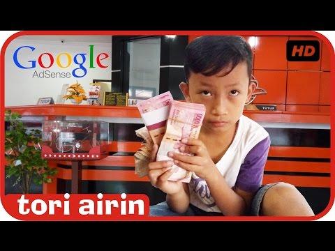 Bocah 9 Tahun Mengambil Uang Gaji Dari Google Adsense Di Kantor Pos - Tori Airin