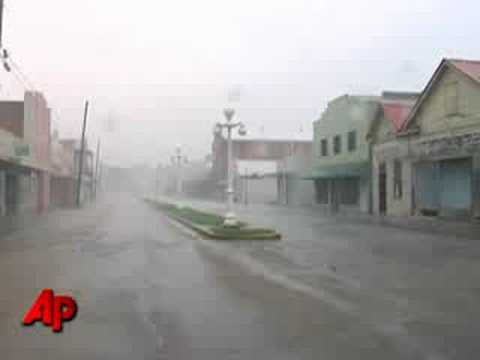 Raw Video: Franklin, La. Pounded by Gustav