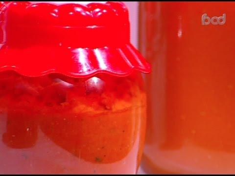 طريقة عمل معجون صلصه الطماطم على طريقة الشيف #ساره_عبدالسلام من برنامج #سنه_اولي_طبخ #فوود