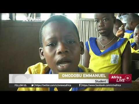 School floating on water brings hope to slum dwellers