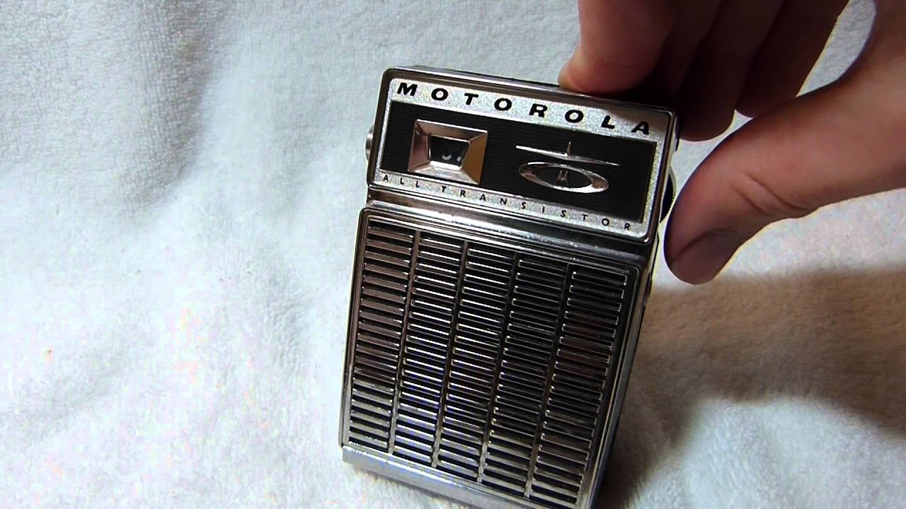 Celebrating 50 Subscribers With The Motorola X25e Transistor Radio  1961  Usa