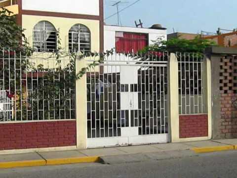 Casa fachada principal youtube for Portones de entrada principal