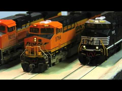 HO Scale Intermountain ES40DC / ES44DC Gevo - Review Music Videos