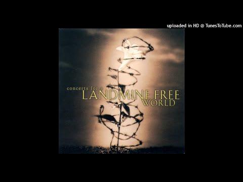 Nanci Griffith & Emmylou Harris - It's A Hard Life Wherever You Go (1999) Live