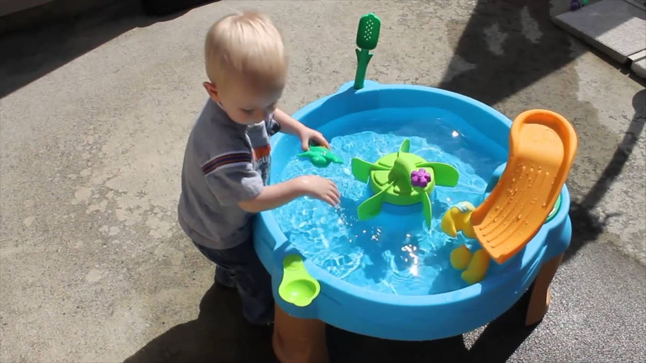 Splashing fun with the step2 duck pond water table youtube for Duck pond water