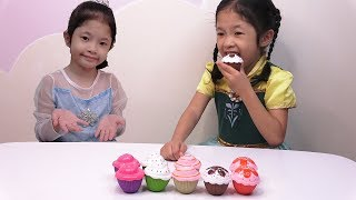 Elsa và Anna - Búp Bê Bánh Ngọt - Surprise Cupcake Doll