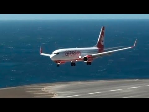 Hard day to land at Madeira Airport (version1)