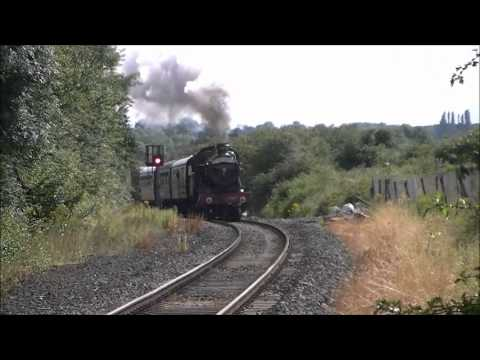 The Shakespeare Express.4965 Rood Ashton Hall steam train passing through Bearley.wmv