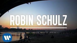 Клип Robin Schulz - Sun Goes Down ft. Jasmine Thompson