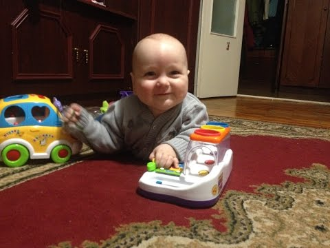 Малышу 8 Месяцев. Развитие ,любимые игрушки