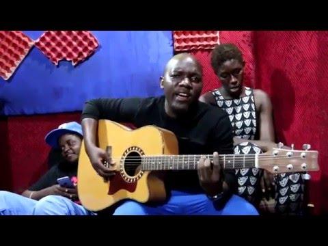 Amini - Hawajui live with Guitar