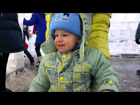 Астана   ледяной городок возле хан шатра 2015 12 17