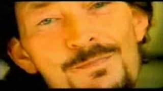 Клип Chris Rea - All Summer Long