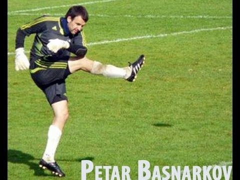 Petar Basnarkov, Professional Goalkeeper Date of birth: 10 July 1980 Height: 189 cm Weight: 86 kg Soccer Experience: National Team - U15, U17, U19 Soccer Clu...