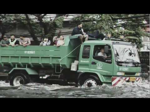 Thailand 2011 Flood Montage – (Iridescent Linkin Park) [HD]