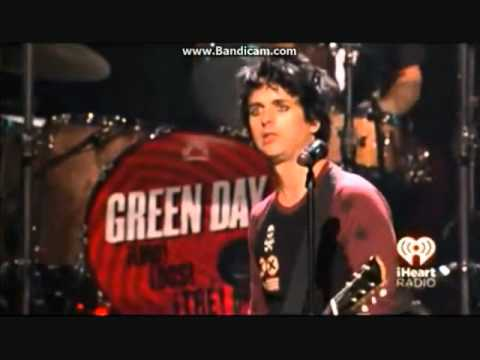 Billie Joe Armstrong pissed off at iHeart Festival