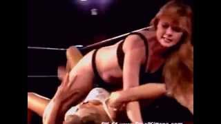 Female Women Wrestling