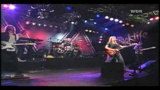 Watch Melissa Etheridge 2001 video