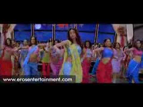 Priyanka Chopra - Miraksam song from Waqt scene 1