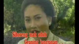 Download Lagu Es Lilin - Nining Meida Gratis STAFABAND