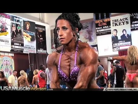 Michelle Cummings - Female Muscle Fitness Motivation