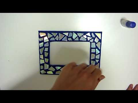 DIY ROOM DECOR - Make a mosaic frame with old CDs!