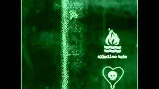 Watch Alkaline Trio Queen Of Pain video
