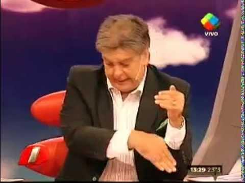 Luis Ventura, furioso por llegar tarde, se la agarró con Macri
