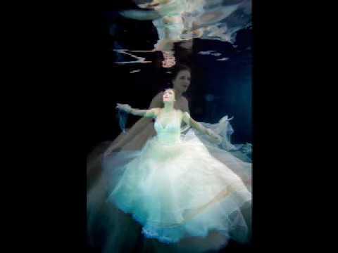 Bride Nouveau 2008 Cover shoot Underwater