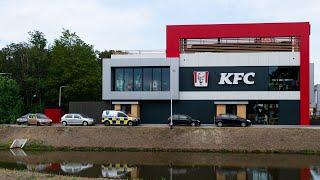 Filerijden voor voor KFC, Burger King en La Place