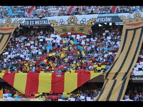 Ambientazo en Mestalla partido Valencia CF - Atlético de Madrid
