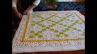 How to baste a quilt with safety pins - Quilting Tips & Techniques 086
