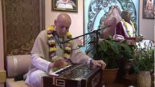 2012.10.30. Kirtan before SB ISKCON Riga Latvia