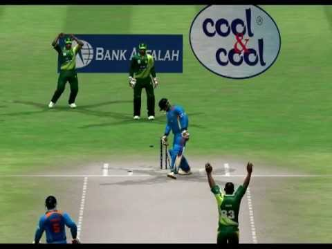 Junaid Khan vs Virat Kohli -EA Sports Cricket 2014