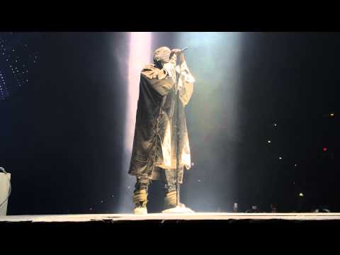 Kanye West - Runaway LIVE at Boardwalk Hall (FULL SONG HQ)