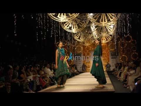 [Exclusive HD Video]Tarun Tahiliani fashion show SHILPA SHETTY show Stopper Models Ramp
