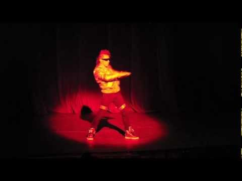 Popping Solo And Choreography - Alan xpression Medina (gop Showcase 2012) City Statues video