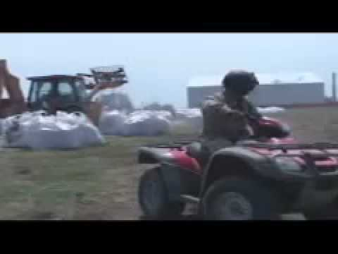 Oil Spill Disaster 2010 (part150) - Louisiana Guard Drops Sandbags