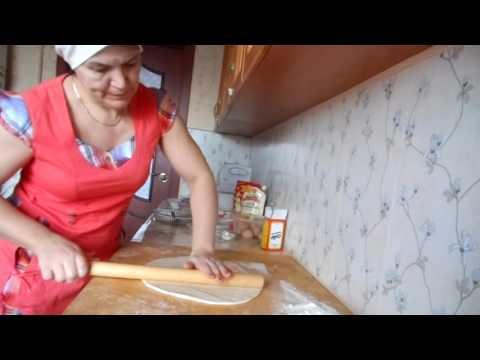 Тесто на пироги на кефире ( делаем пирог )