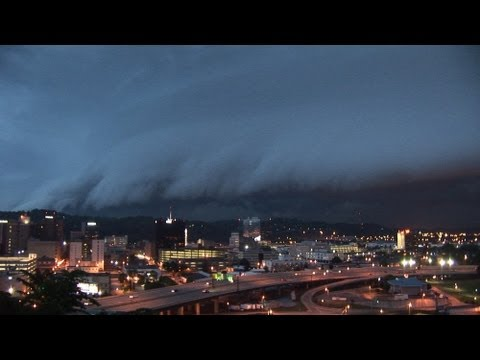 (HD) Severe thunderstorm ground-dragging monster shelf clouds - Charleston, WV