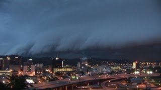 MONSTER Severe thunderstorms in HD! Ground-dragging shelf clouds - Charleston, WV
