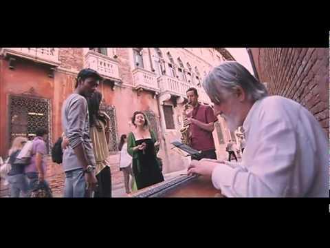 En Nenjil Kaathal Theepan Uthama Puthiran video