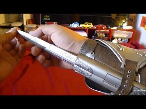 Assassins Creed - Neca Ezio Auditore Hidden Blade Vambrace Roleplay Cosplay Prop Review