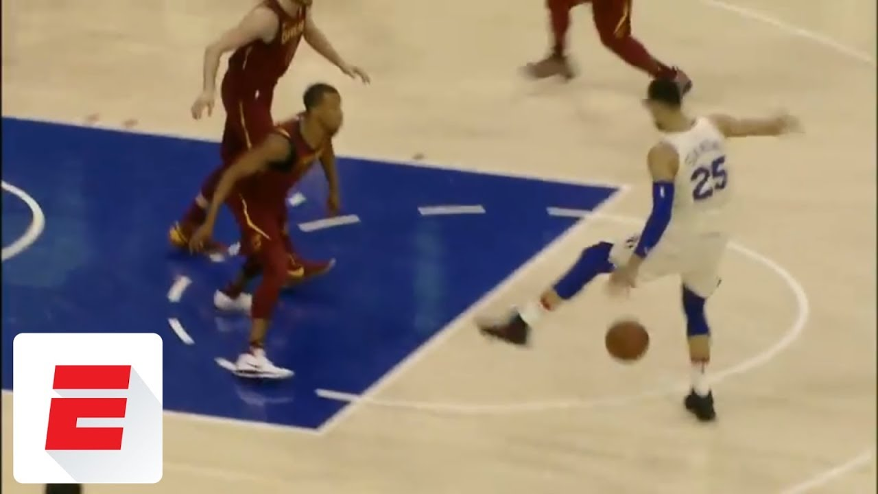 Ben Simmons does ridiculous between-the-legs, one-handed dribble before assist vs. Cavs | ESPN