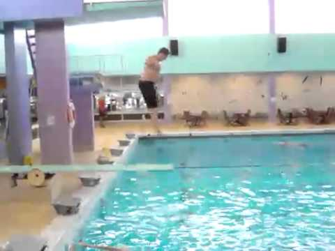 3gp Fat Boy On Diving Board « Free 3gp Video.mp4 video
