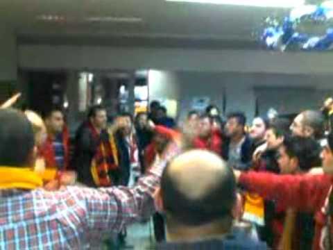 Galatasaraylılar galibeyt coşkusunu birlikte yaşadılar