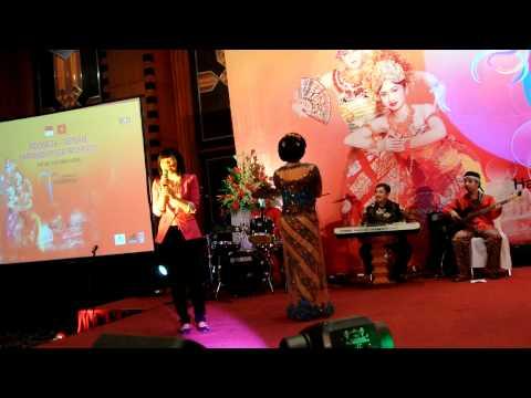 TUTI MARYATI - VIETNAMESE SONG.MOV