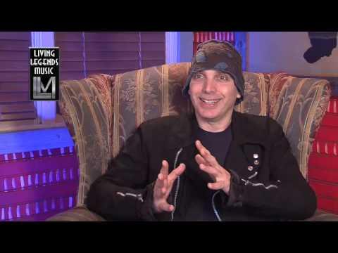 Joe Satriani - University Level Music Education (4 of 11)