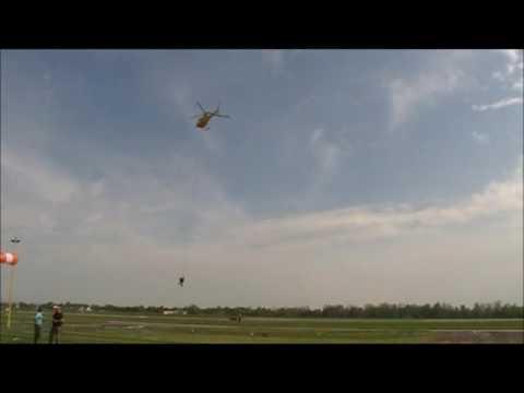 Záchrana lidí vrtulníkem. Helicopter show Rally Salon Hradec Králove pátek 13.5. 2016